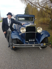 Dodge-Brother 1926 met bijpassende chauffeur